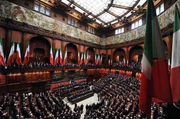Parlamento-italiano-1501-586x390
